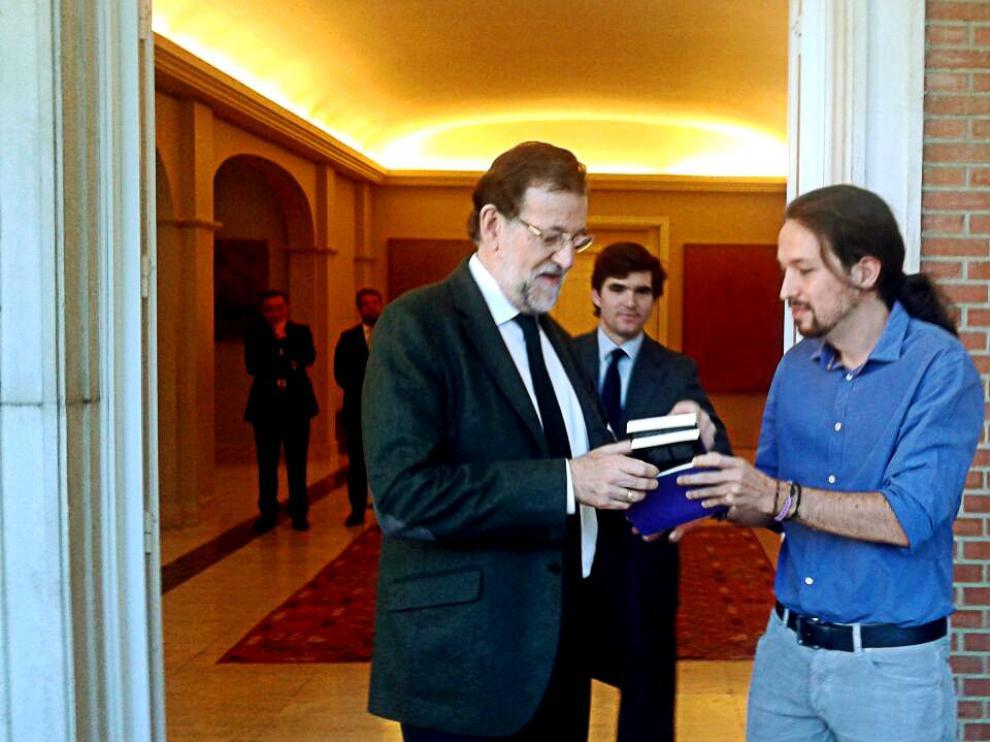 Rajoy e Iglesias a su llegada a la sede de la Presidencia del Gobierno.