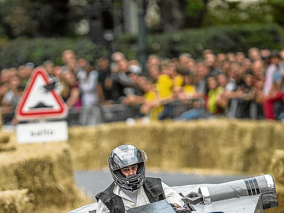 Los autos locos, una prueba que aúna humor y velocidad.