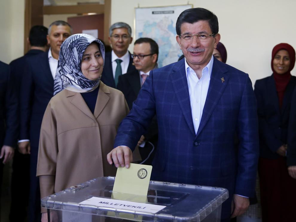 El primer ministro, Ahmet Davutoglu, habría obtenido la mayoría absoluta
