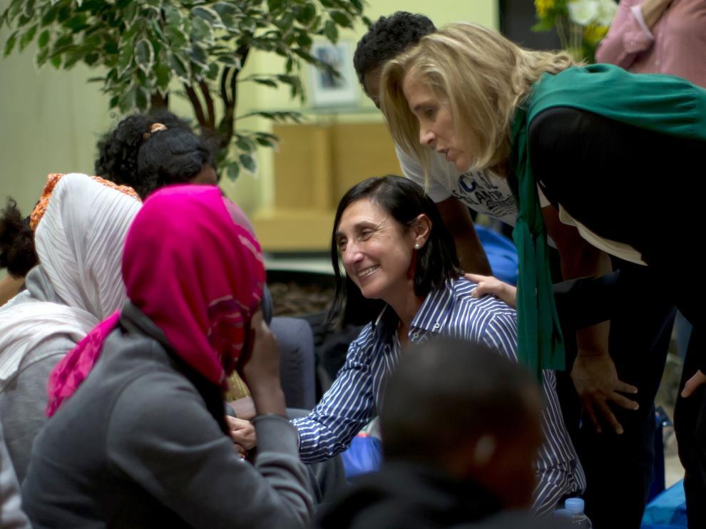 Recibimiento al primer grupo de refugiados que llega a España.