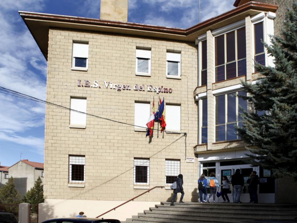 Fachada del instituto Virgen del Espino