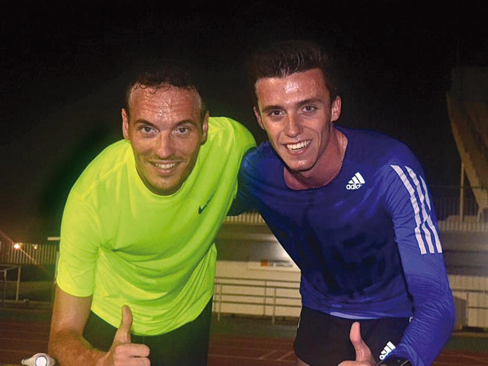 Toni Abadía –izquierda– junto a Carlos Mayo, en un entrenamiento reciente de los aragoneses.