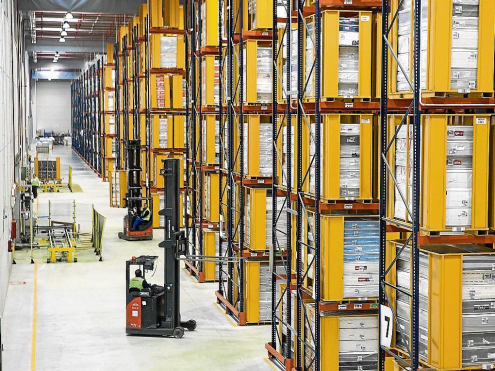 Almacén logístico que Pikolin estrenó en Plaza en 2011, aledaño a la futura factoría.