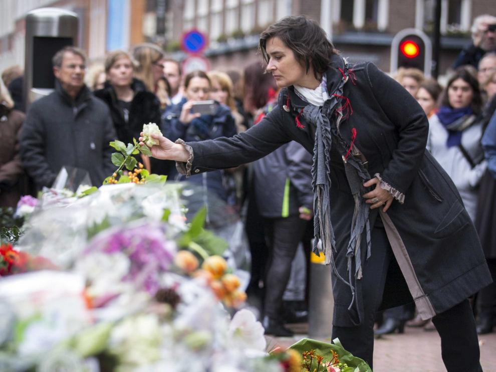 Acto conmemorativo por las víctimas del atentado de París.