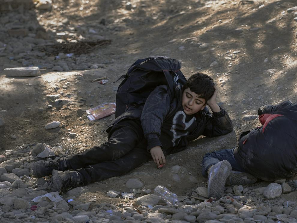 Se precisó que en junio había un niño por cada diez inmigrantes y refugiados que cruzaban la frontera de Grecia a Macedonia.