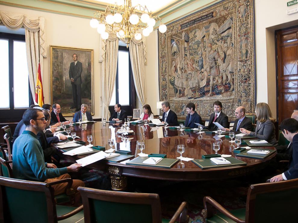 El presidente del Congreso, Jesús Posada, ha recibido este martes en la Cámara Baja a miembros fundadores y de entidades involucradas en la creación de la Agrupación Europea de Cooperación Territorial.