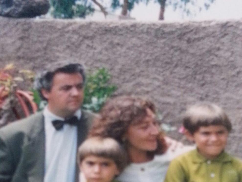 José Luis Casaus y Elena Lupiáñez, con sus hijos Yuri y Boris.
