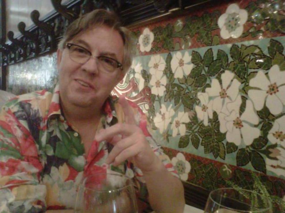 José Luis Casaus nació en 1952 en el pequeño municipio de El Buste, a medio camino entre Borja y Tarazona.