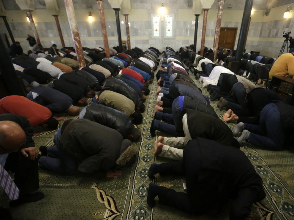 Oración en una mezquita