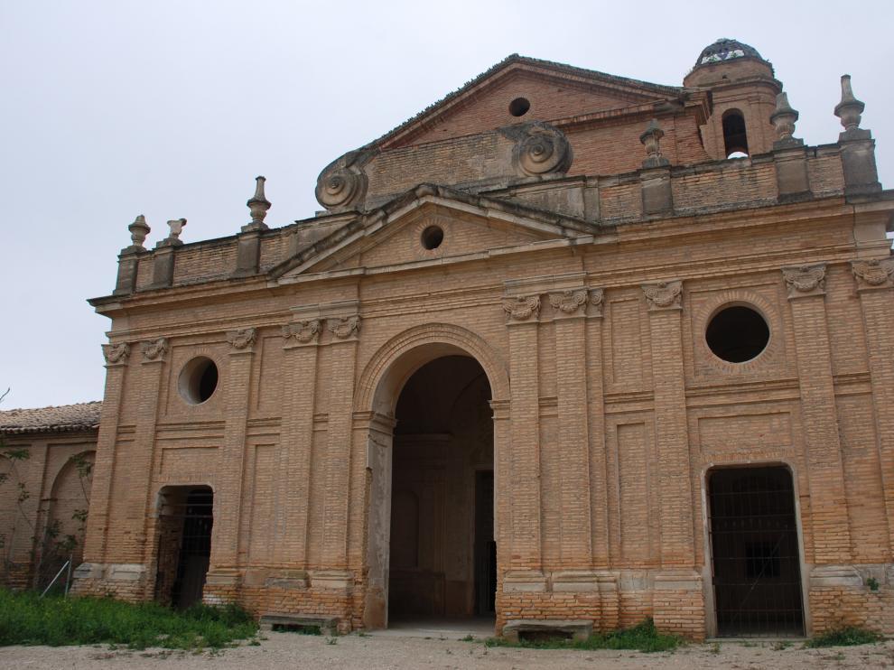 Entrada a la iglesia de la cartuja de Sariñena