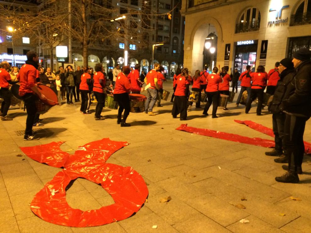 Imagen de archivo de actos de sensibilización realizados en Zaragoza con motivo del Día Mundial de la lucha contra el Sida.