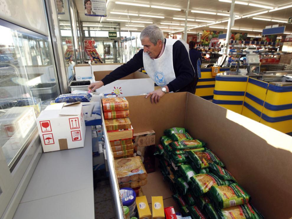 Imagen tomada este viernes, en el inicio de la Gran Recogida en un supermercado soriano.