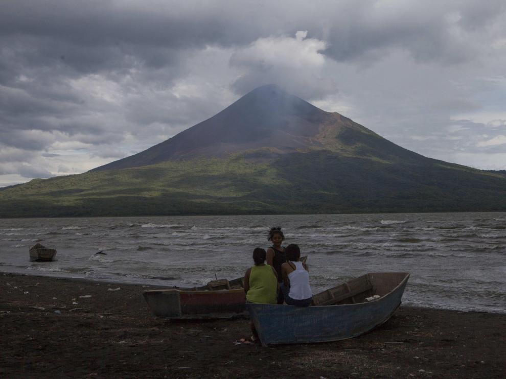 Erupción de un volcán en Nicaragua.