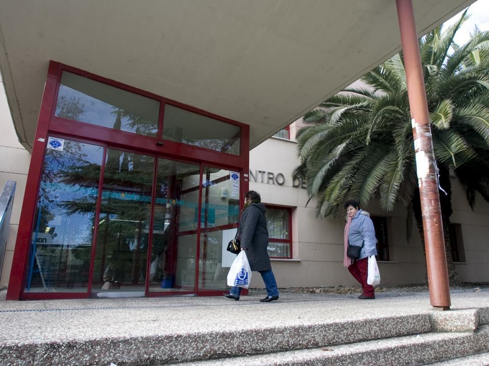 El centro de salud del Picarral, en la avenida de San Juan de la Peña de Zaragoza.