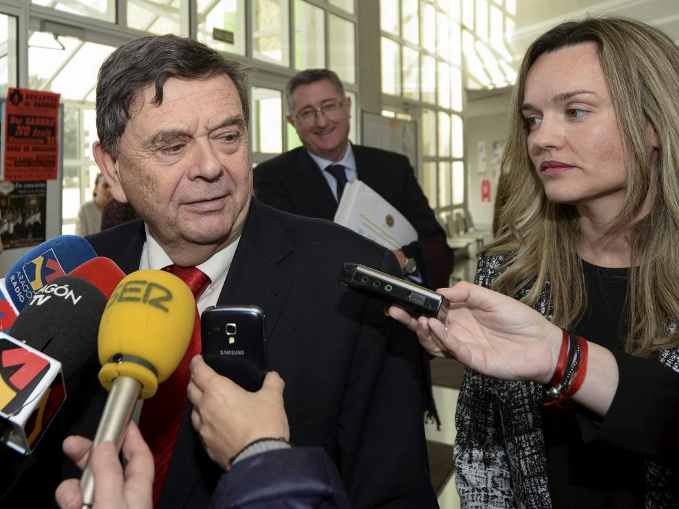 El rector Manuel López y la consejera Pilar Alegría, este miércoles en el campus de Teruel con motivo del 25 aniversario de la Politécnica.