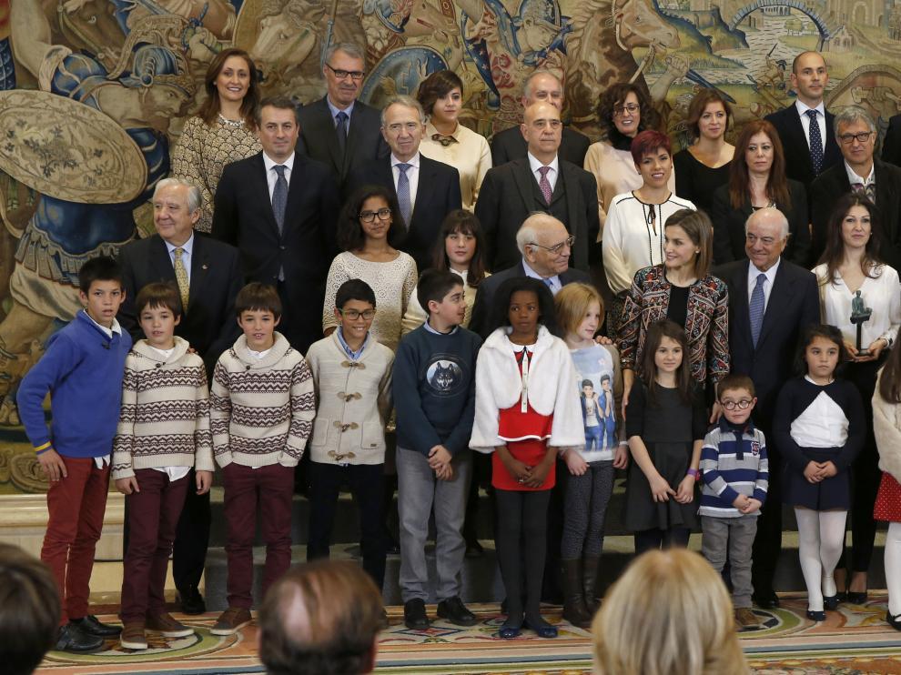 La Reina recibe al nuevo presidente de FAD y entrega el Premio Acción Magistral.