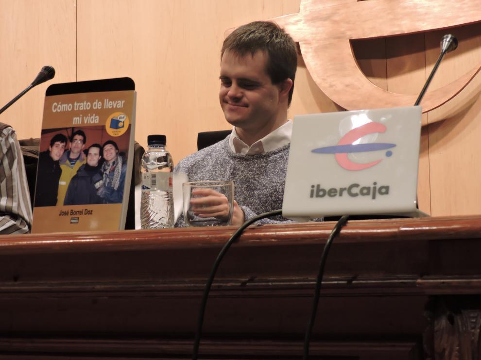 José Borrel en la presentación de su libro.