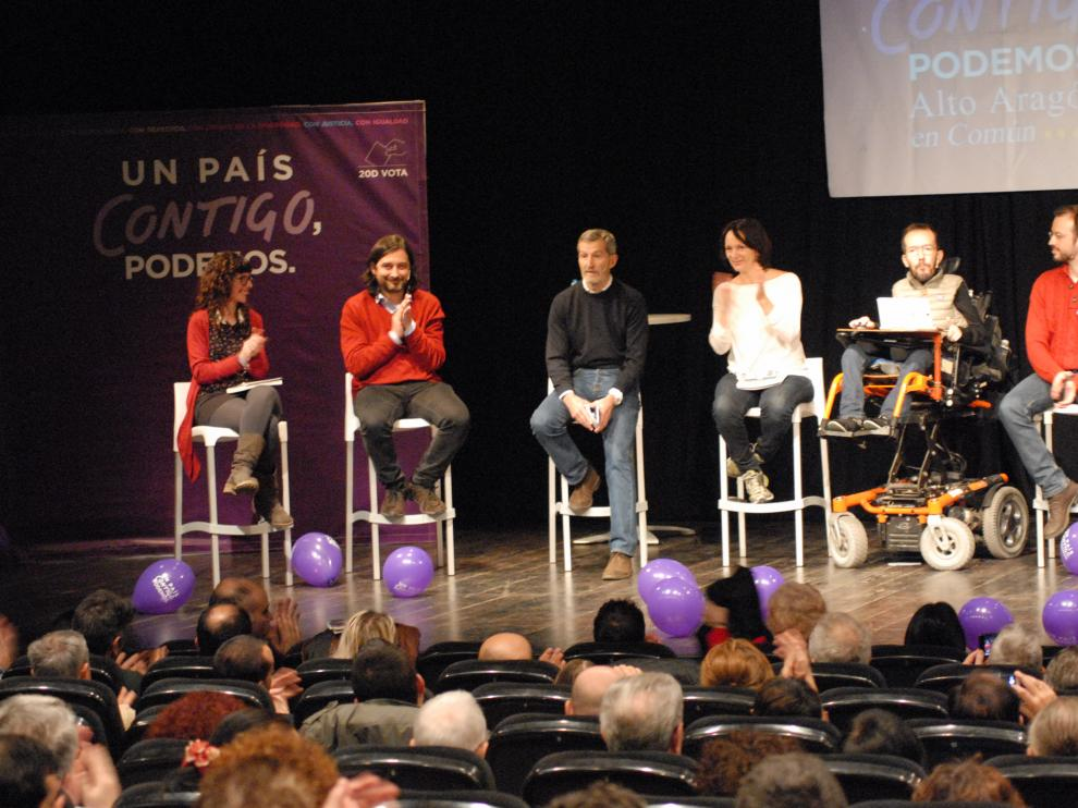 En el acto han participado los candidatos al Congreso Pedro Arrojo, Julio Rodríguez, Carolina Bescansa y Rafa Mayoral, entre otros.