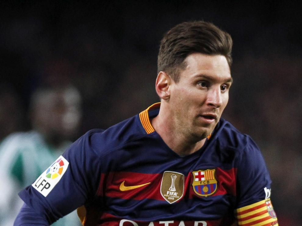 Messi durante una jugada de un partido.
