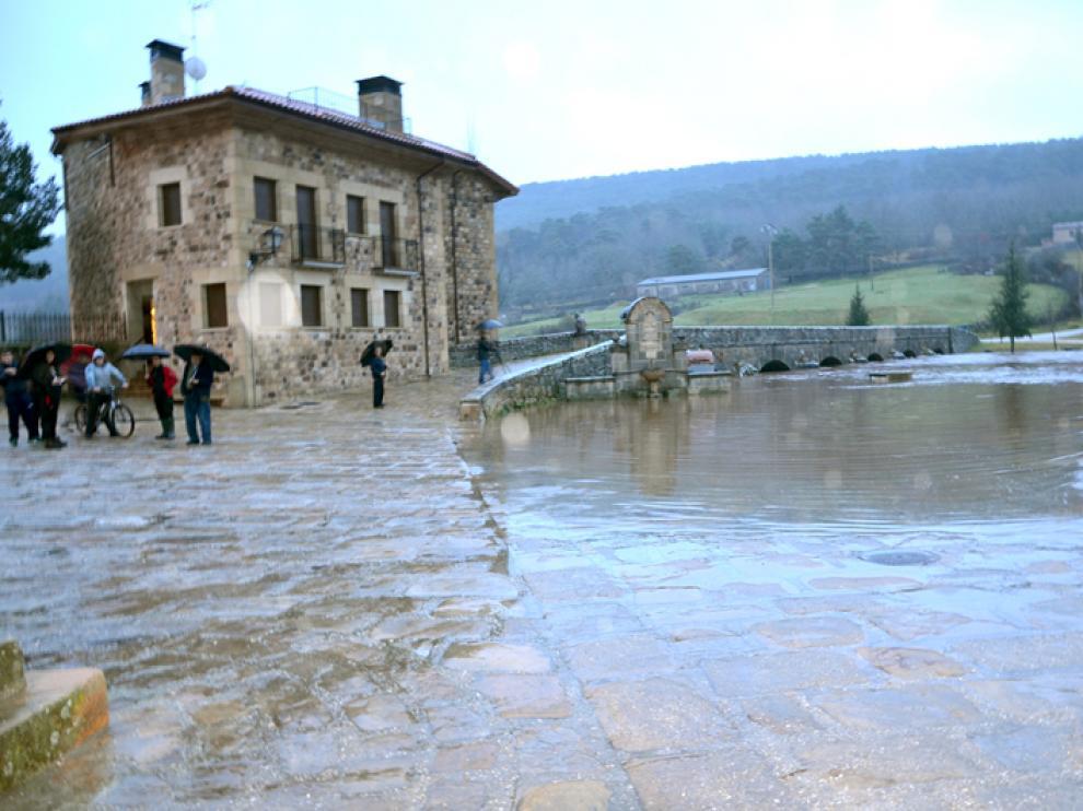 Inundaciones ocasionadas por la crecida del Duero a su paso por Salduero.