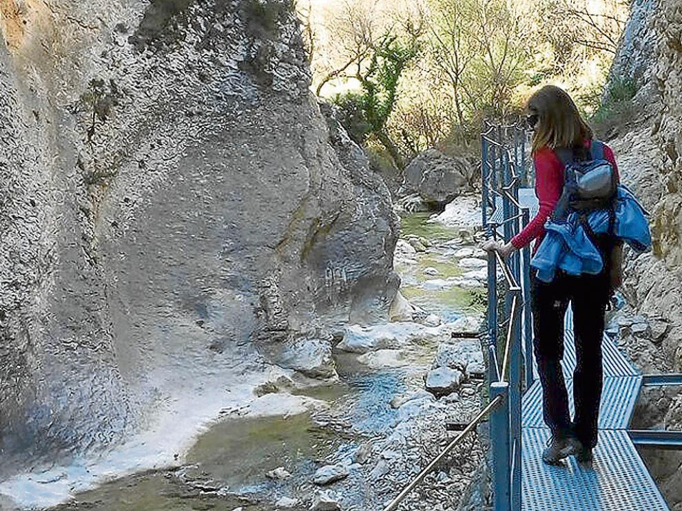 La ruta de las pasaleras del Vero ofrece un agradable paseo por el entorno de Alquézar.