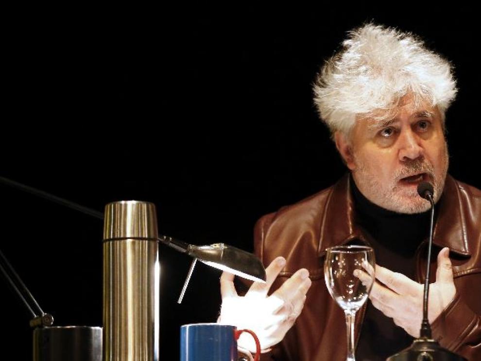 El cineasta ha participado en la Cátedra Acciona de la Escuela Sur de Profesiones Artísticas en una charla en el Círculo de Bellas Artes.