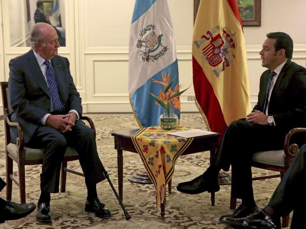 El presidente electo de Guatemala, Jimmy Morales, en su reunión con Juan Carlos I.