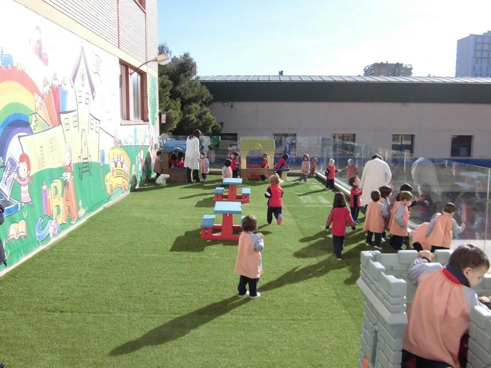 Patio para los niños de 2 años del colegio Moncayo.