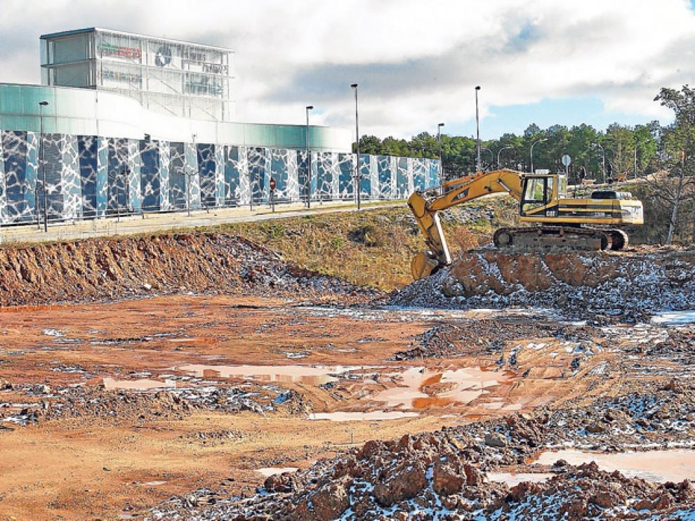 Los trabajos ya han comenzado en el terreno de 7.000 metros cuadrados en el que abrirá sus puertas Decathlon en verano