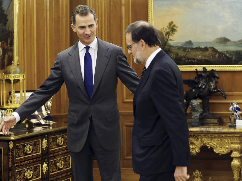 El Rey junto a Rajoy rn una foto de archivo.