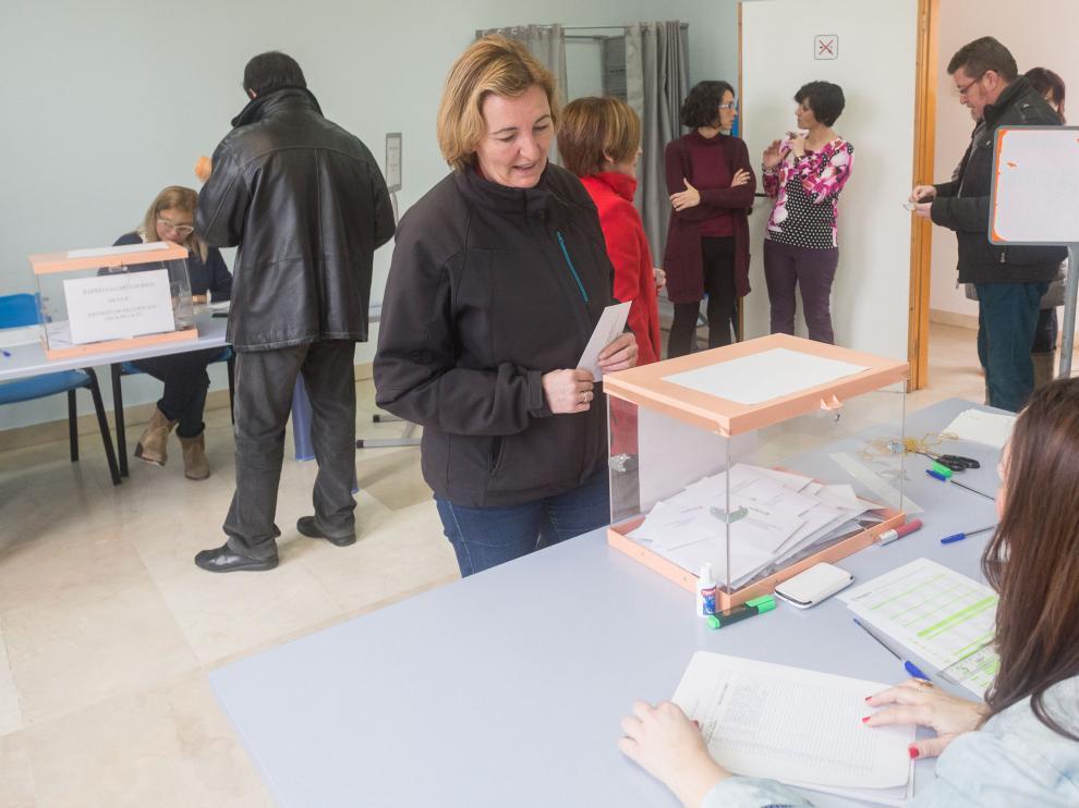 Votación para elegir alcalde en los barrios rurales de Zaragoza.