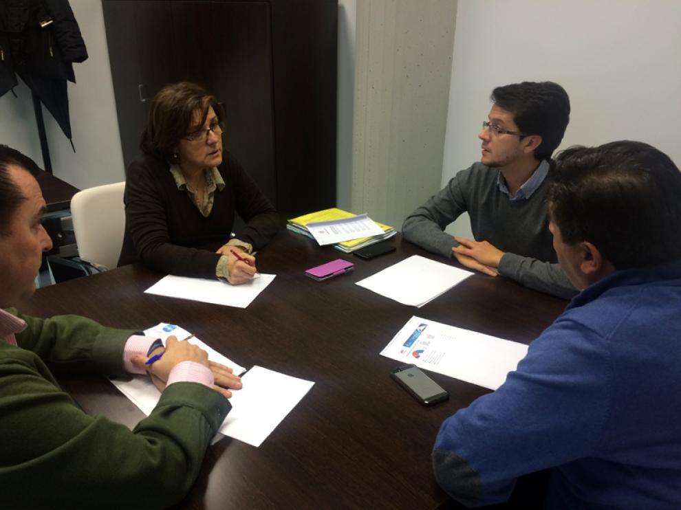 Marimar Angulo junto al senador Tomás Cabezón y otros representantes del Partido Popular en el Comité de Dirección celebrado este fin de semana.