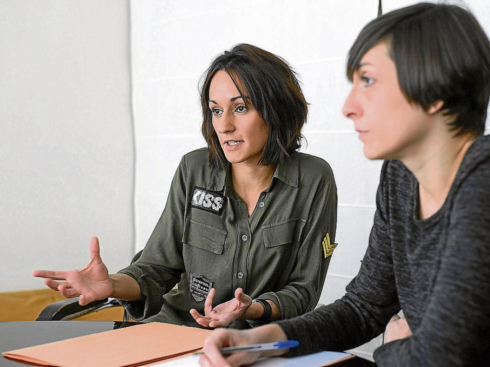 Asociación Ignis. Estela Carrillo y Marta González trabajan junto a Marta Sobreviela en esta asociación que reúne a psicólogos y maestros en contra del acoso.