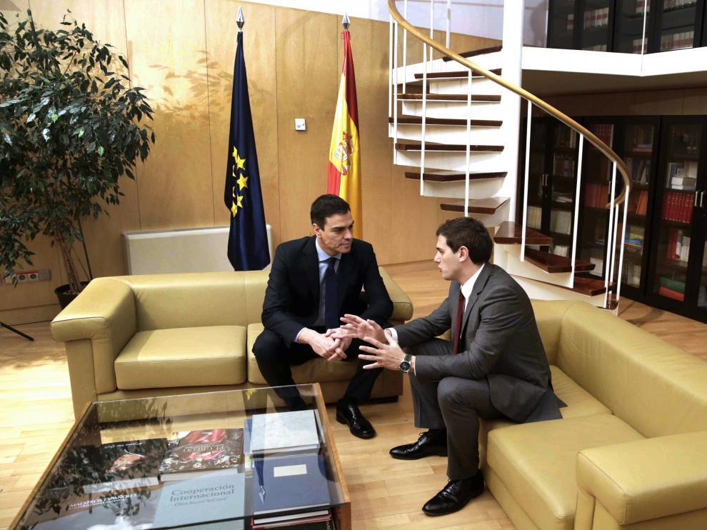 Reunión de Pedro Sánchez y Albert Rivera