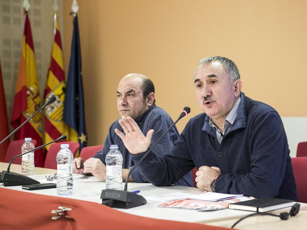 Josep María Álvarez (UG), aspirante a sustituir a Cándido Méndez, en su visita a Zaragoza.
