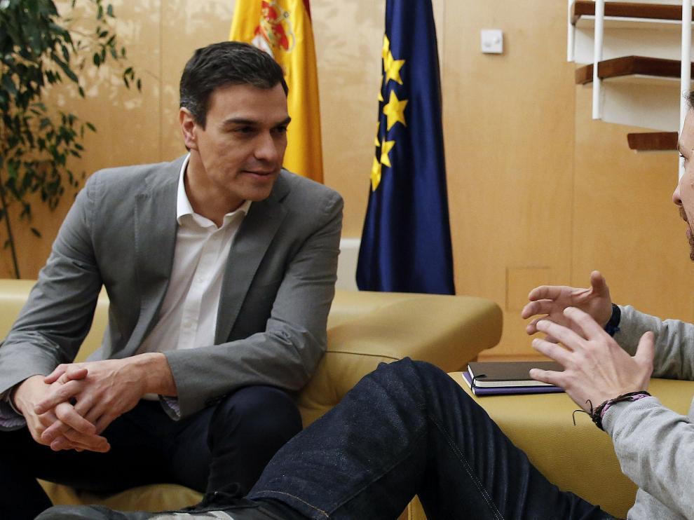 Pablo Iglesias durante su reunión con Pedro Sánchez en una imagen de archivo.
