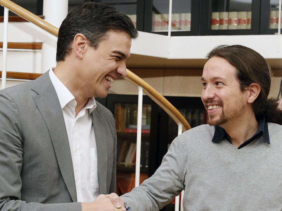 Pedro Sánchez se reúne con Pablo Iglesias.