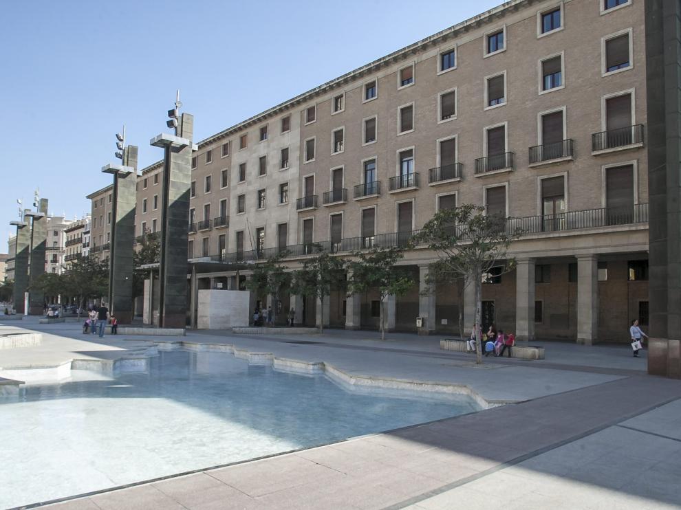 Edificio que albergaba los juzgados en la plaza del Pilar.