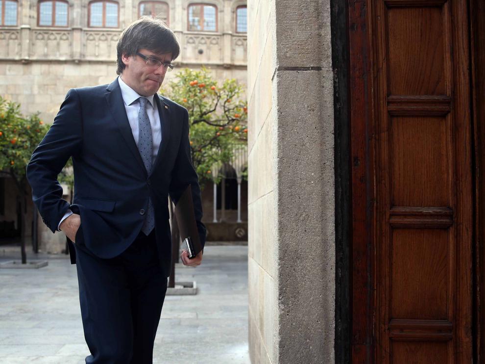 Puigdemont acude a la reunión semanal del Govern Catalán.