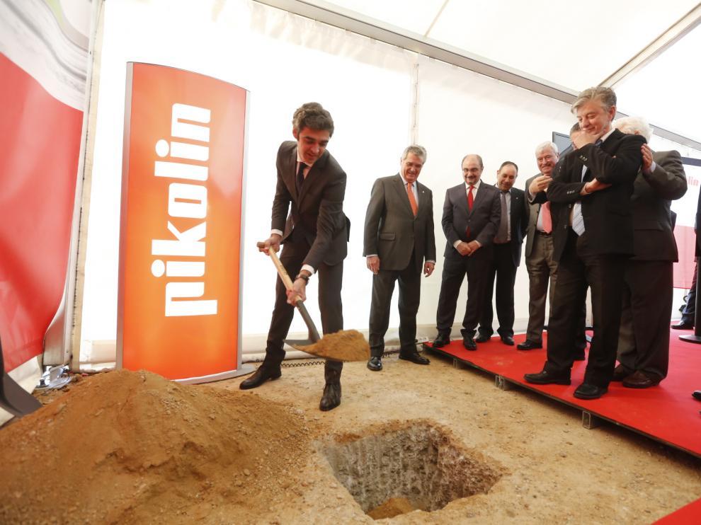 Primera piedra en la nueva fábrica de Pikolin de Plaza