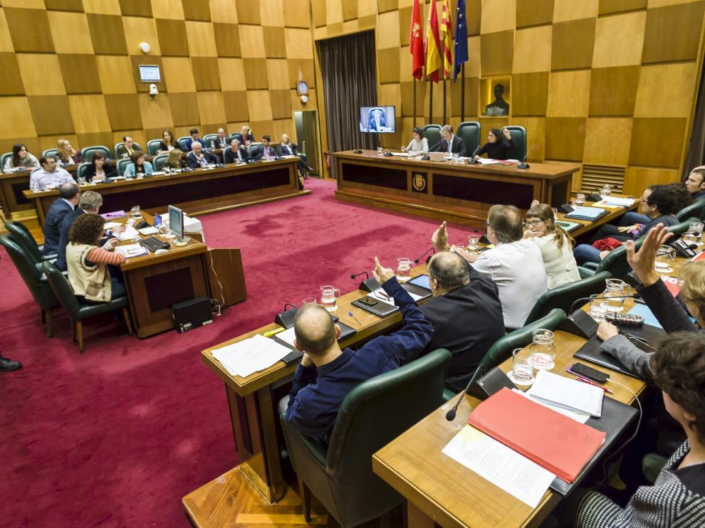 Pleno en el Ayuntamiento de Zaragoza