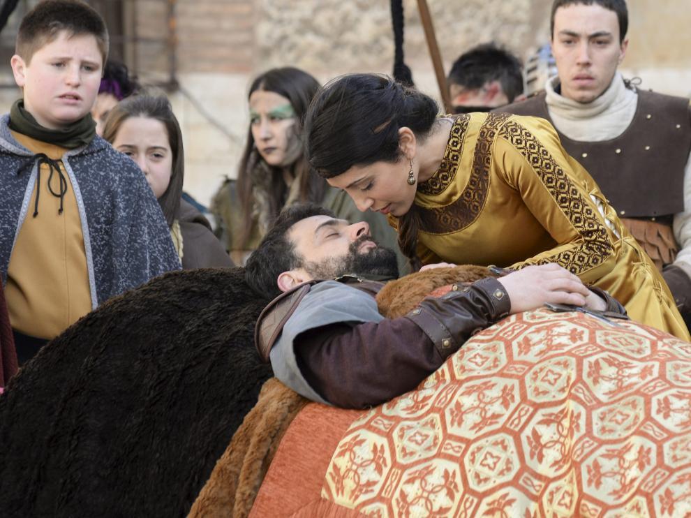 Un momento de la representación de la historia de los amantes en las Bodas de Isabel de Segura en Teruel.
