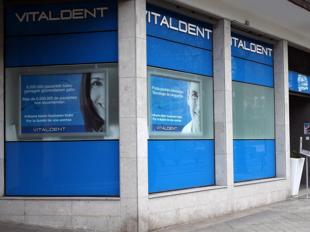 """La cúpula de Vitaldent recibía cada año 17 millones en """"B"""" de sus clínicas"""