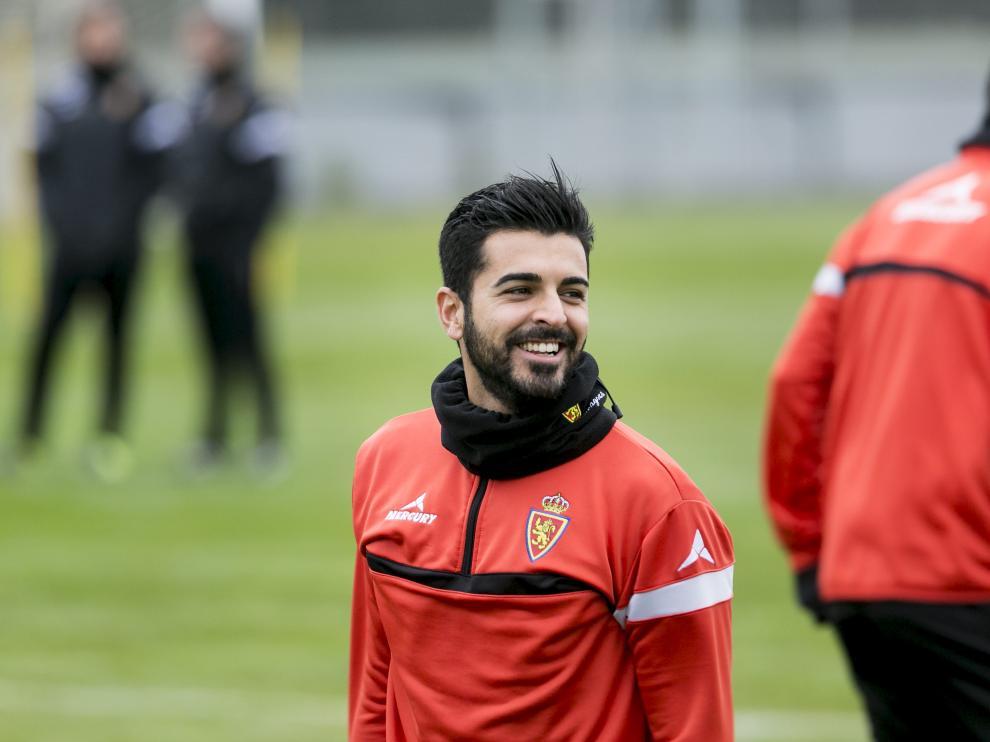 Ángel, sonriente, en un entrenamiento del Real Zaragoza.