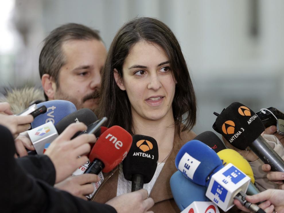 Manuela Carmena defiende a su portavoz ante la cita judicial.