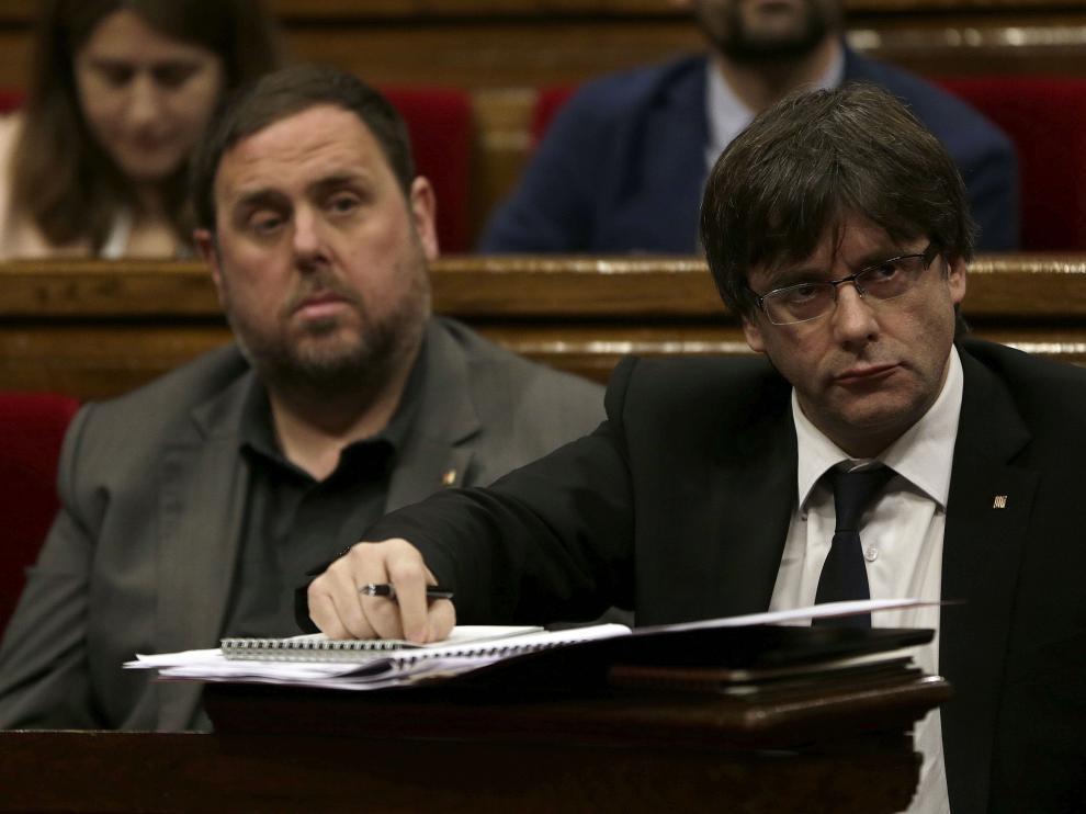 Carles Puigdemont junto a Oriol Junqueras.