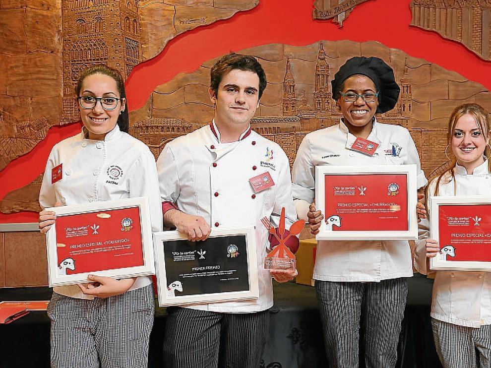 Fátima Rabhi, Miguel Bailo, Loren Gruezo y Verónica Campo, ganadores en las distintas categorías.