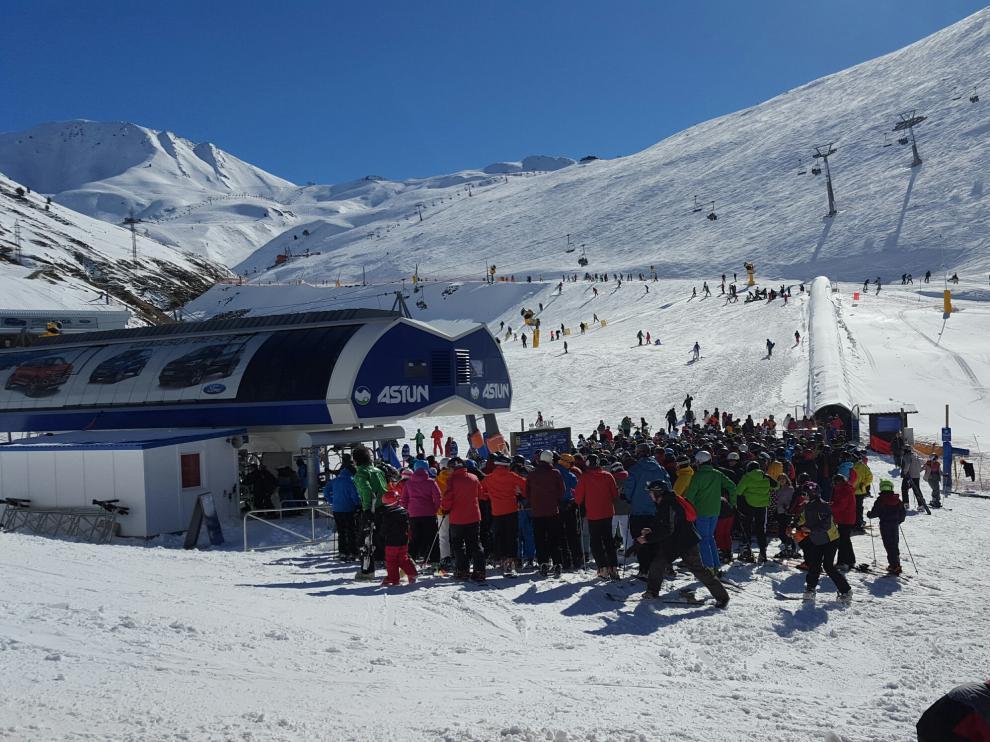 Gran afluencia en las estaciones de esquí