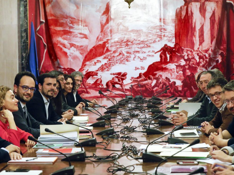 PSOE, Podemos, IU y Compromís mantienen los contactos a cuatro