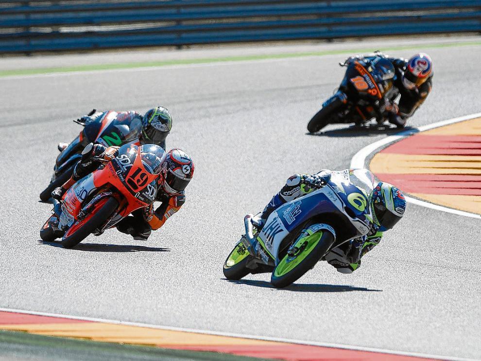 Fotografía de los libres previos al GP Movistar de Aragón de 2015 en el circuito de Motorland.